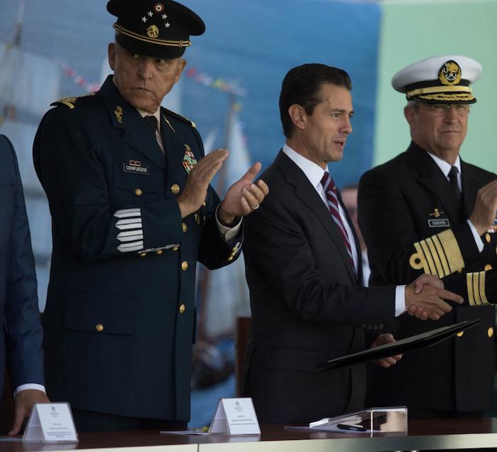 Salvador Cienfuegos, ex secretario de la Defensa Nacional, en el sexenio de Peña, es detenido en Los Ángeles